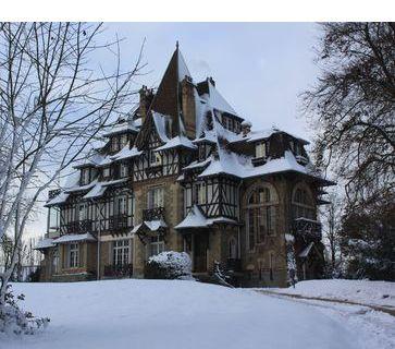 Le chateau du Vieux Moulin de Rambouillet en hiver