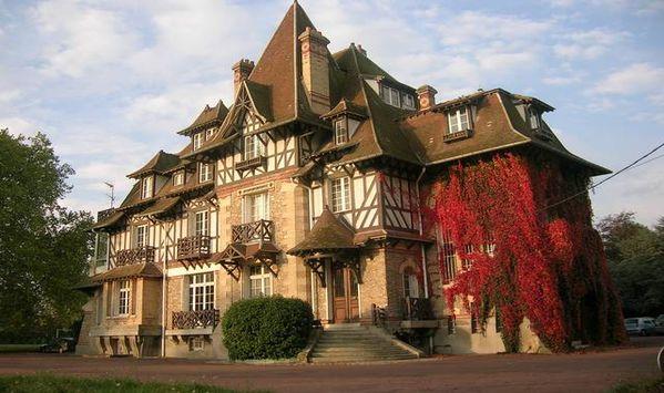 Rambouillet : le Vieux Moulin -ancien Institut International de Rambouillet